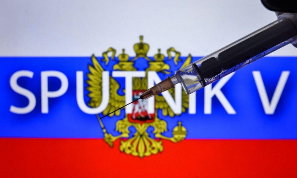 """Vaccinul anti-COVID-19 din Rusia are o eficienta de """"peste 95%"""""""